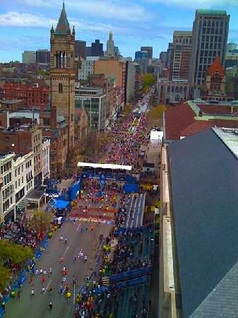 Find Boston Marathon hotels and best rates, plus where to stay near the Marathon start line, finish line, and along the route. Best hotels from Hopkinton to Boston.
