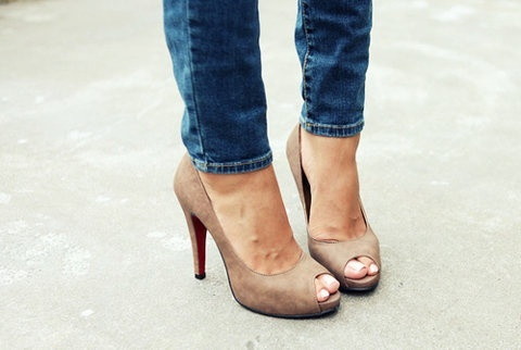 headphones beats by dre Skinny jeans and tan high heels  My Style