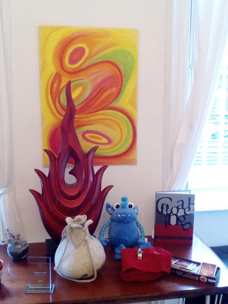Lemma tűz elem, bábok, kártyák: a hős útját a kártyákkal, a rendszerállítást a piros zsákban levő lényekkel rakjuk ki, a tanfolyamot a vörösen izzó tűz szenvedélyes lelkesedése támogatja.