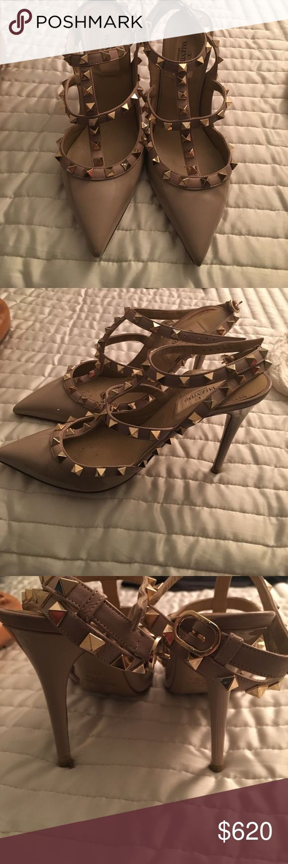 Valentino Rock Stud Heels Nude patent leather Valentino Rockstud shoes with gold studs. In great condition and gently worn! Makes every outfit look amazing. 👠 Valentino Shoes Heels