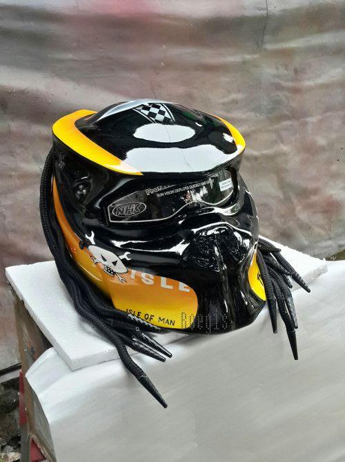 CELLOS PREDATOR HELMET CUSTOM MOTORCYCLE