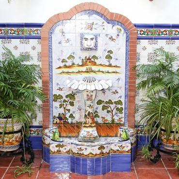 17 best images about spanish ceramics on pinterest - Fuente para patio ...