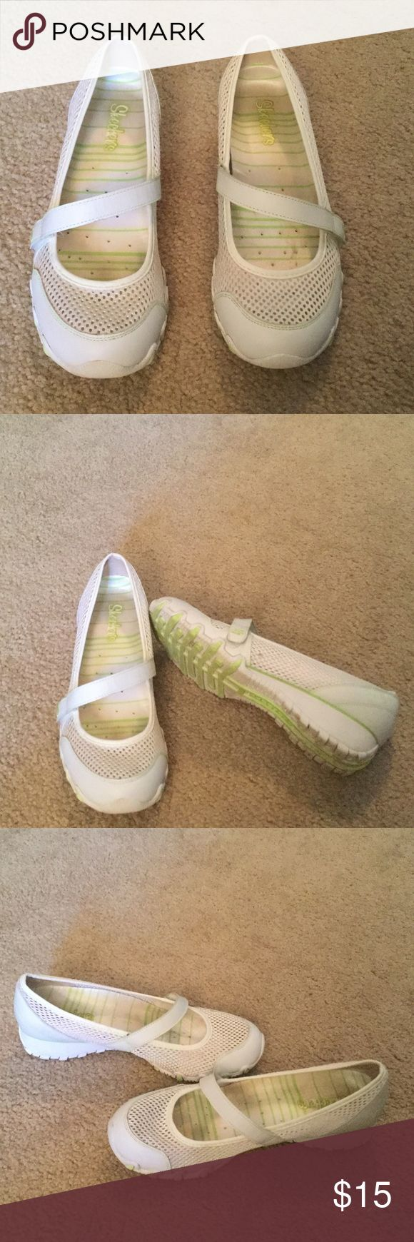 Skechers Shoes very good condition, slight wear on soles, looks a little dirty because of them being white.  Cushioned insoles. Size is not showing, but they are size 8. Skechers Shoes Flats & Loafers