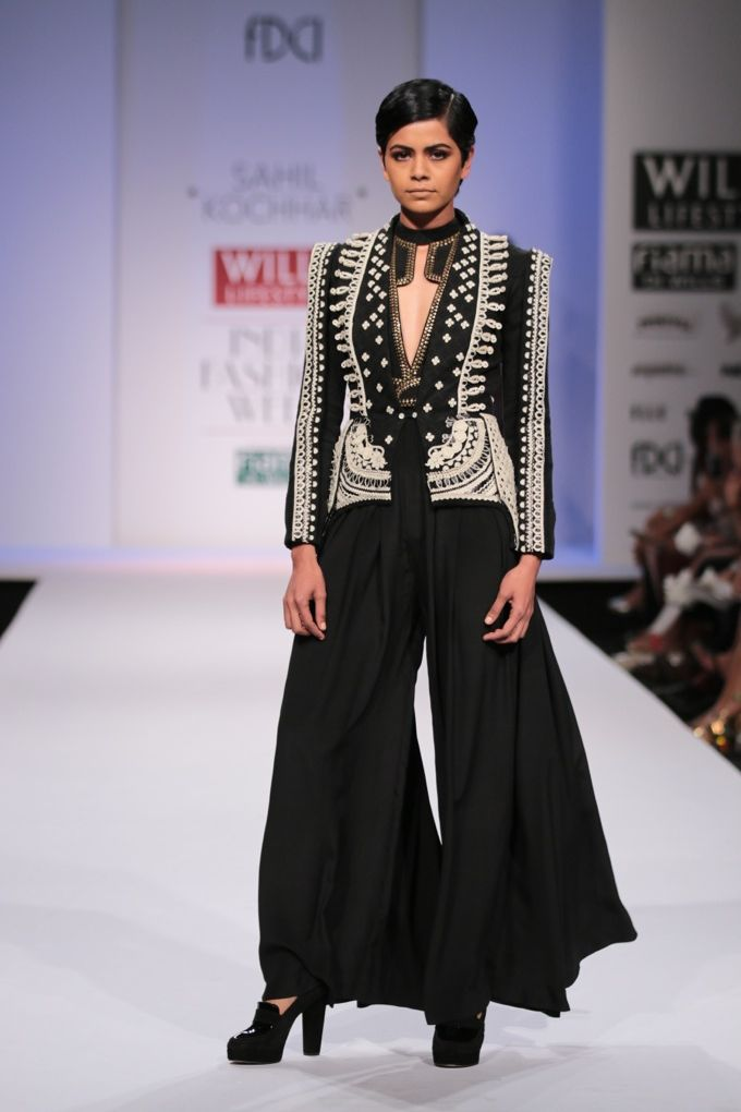 #wifw #wifwaw14 #fdci #wilfw #sahilkochhar #fashion #fashionshow #indian #indiandesigner #wetsern #jacket #pants #flairedpants #black #blackandwhite #white #smart #edgy #beautiful