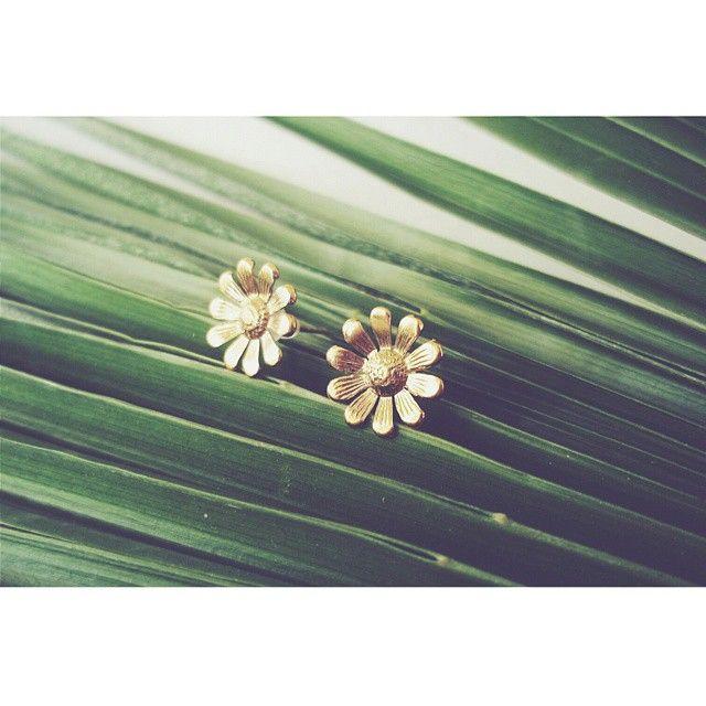 """""""Daisy"""" earrings https://www.facebook.com/arto.of.p/"""