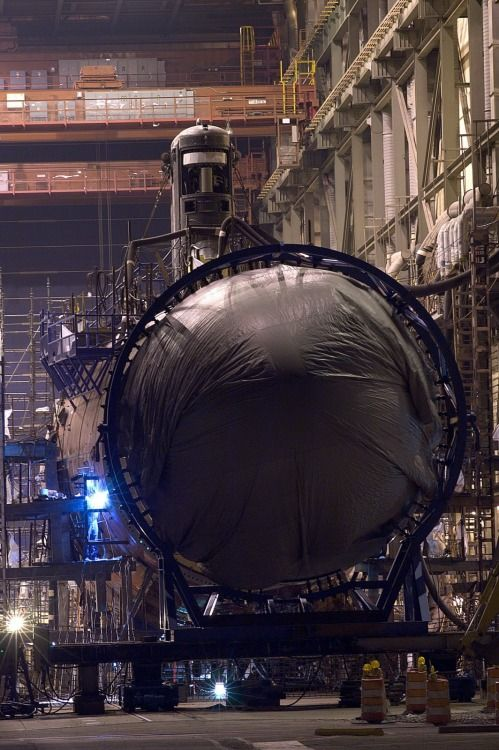 rocketumbl: Virginia Class submarine at 3Litres12Cylinders