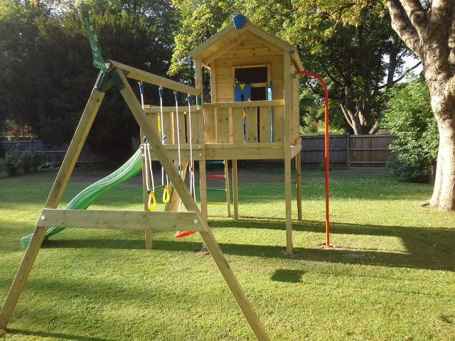 Jungle Gym Around The World This Jungle Playhouse XL With Firemanu0027s Pole  And 2 Swing