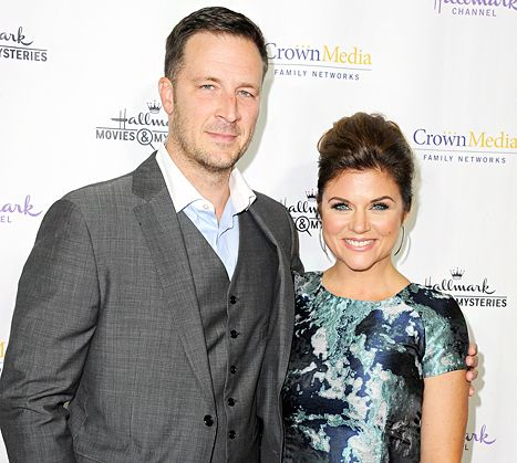 Pregnant Tiffani Thiessen Baby Gender: Expecting Boy With Brady Smith - Us Weekly