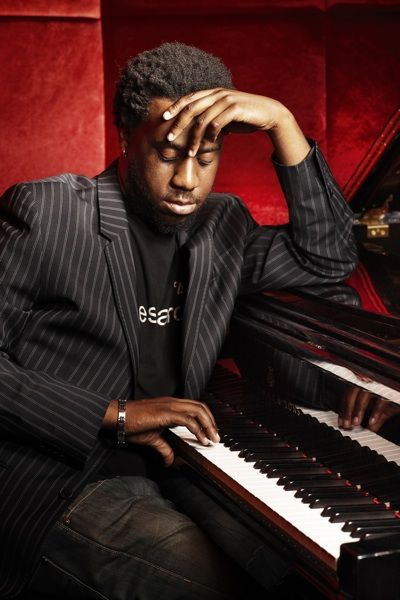 One of the most modern and cool jazz pianists. Ladies and Gentlemen - Mr. Robert Glasper