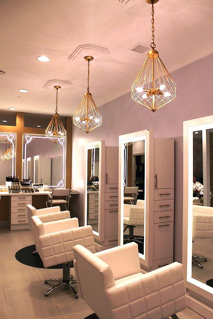 Un magnifico parrucchiere da aggiungere alla tua lista di Las Vegas!