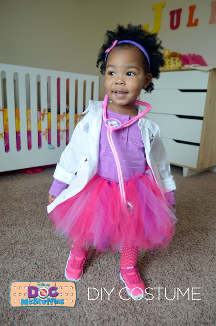Does your little one love Doc McStuffins as much as mine? Make this awesome DIY Doc McStuffins halloween costume with supplies from @walmart ! #wmtmoms