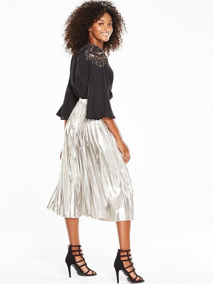 V by Very Embellished Shoulder Cape Blouse - BlackThis cape blouse from V by Very is presented in a black, feather-weight fabric that drapes beautifully over your arms and shoulders for an elegant feel. Its three-quarter sleeves add to the fluid effect, while embellished detailing to the yoke lends a tasteful touch of shimmer - perfect for date night. Styling Ideas Temper the relaxed fit of this piece with skinny jeans and heels, or tuck it into a metallic midi skirt for new-season cool.…