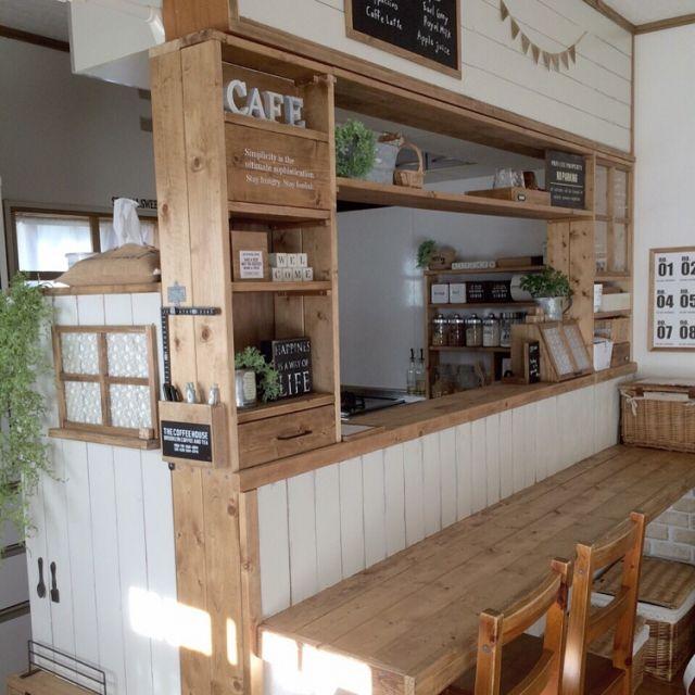 jujuさんの、キッチンカウンター,DIY,窓枠,板壁,セリア,Kitchen,のお部屋写真