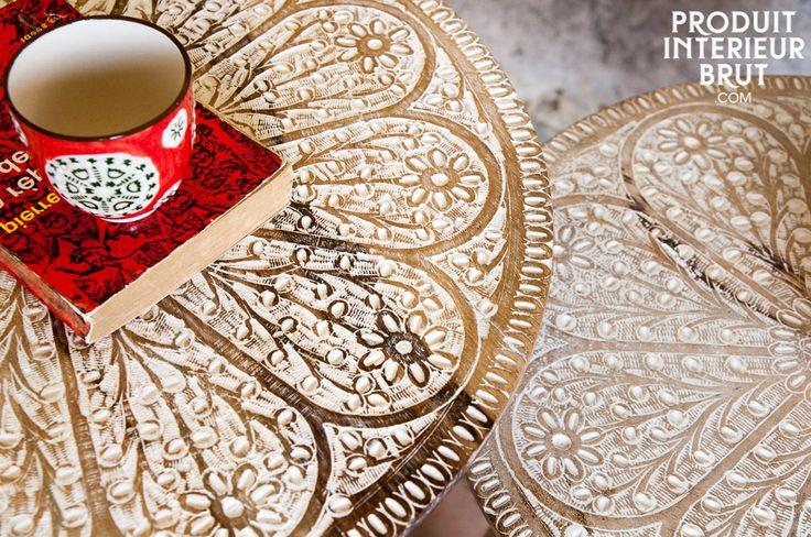 Tavolini Minelle. Il tavolini Minelle costituiscono un magnifico duo pieno di fascino bohemien che aggiungerà un elemento romantico al tuo interno d'epoca.