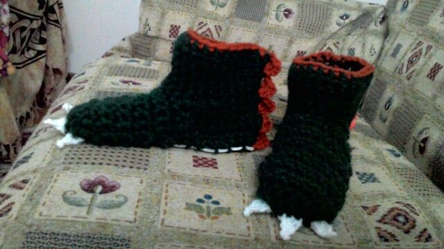 Pantofole dinosauro all'uncinetto - Dino slippers