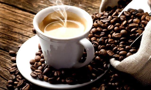 Il caffè può aiutarci a dimagrire? Sì, ma per poco tempo http://diet-to-go.com/blog/nutrizione/il-caffe-puo-aiutarci-a-dimagrire-si-ma-per-poco-tempo