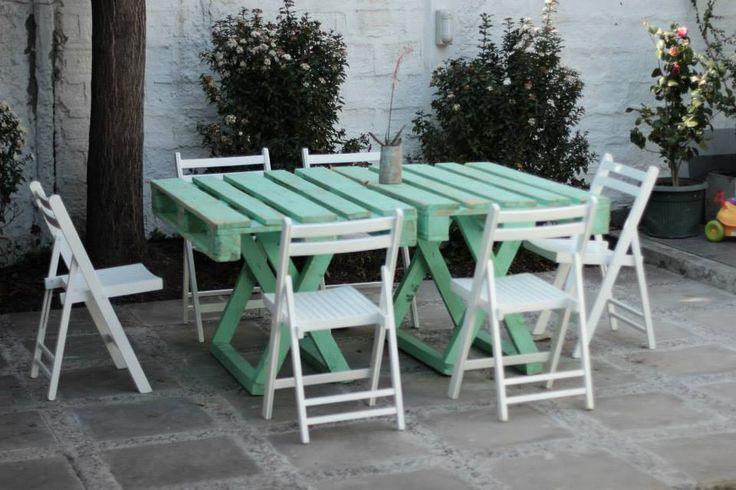 #mueblesreciclados #interiorismo #diseño #muebles #mobiliario #pallet #palet #cajonfrutas #mesapatio #jardin
