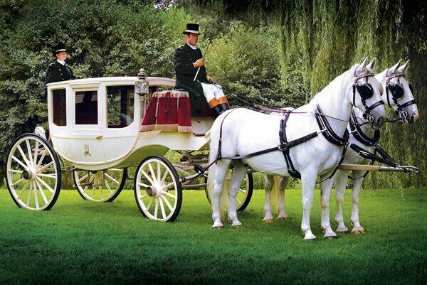 Koets met witte paarden..*