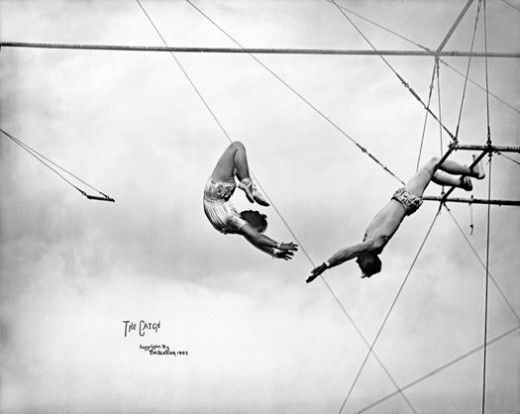 Catch me. Circus performers, 1907