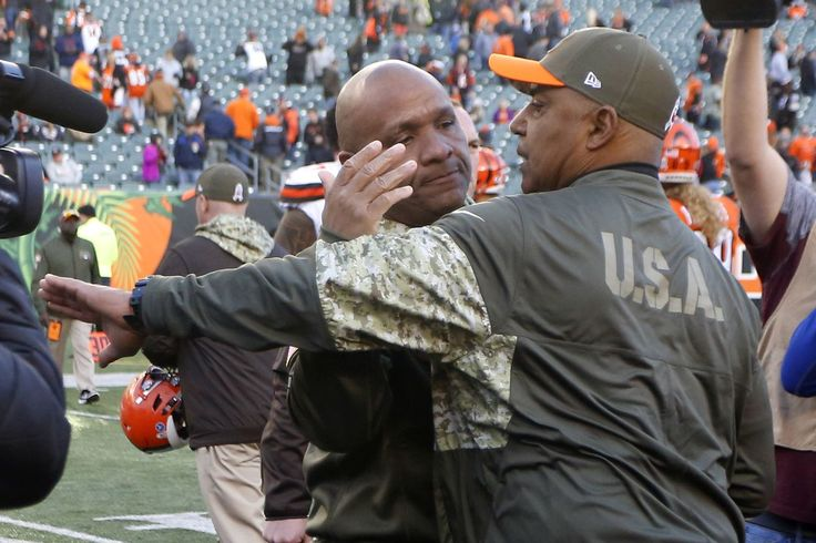 Hue Jackson needs to coach his team better