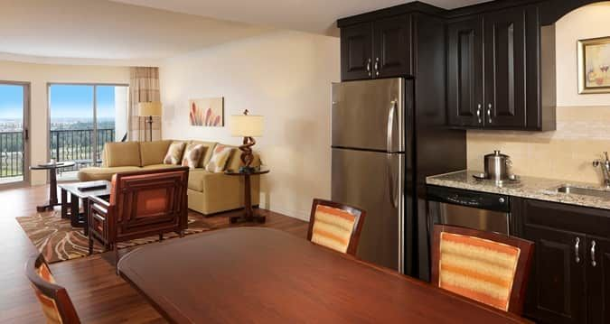 Hotels With Full Kitchens In Orlando Florida Used Commercial Kitchen Equipment Chicago Parc Soleil Suites By Hilton Grand Vacations Fl Penthouse Suite Area
