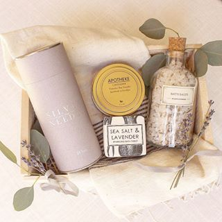 Mothers Day Gift. Gifts for Mom. CUrated Gift Box, Gift Baskets, Spa Gift, Spa Day, Bridesmaid Gift. Loved and Found Box