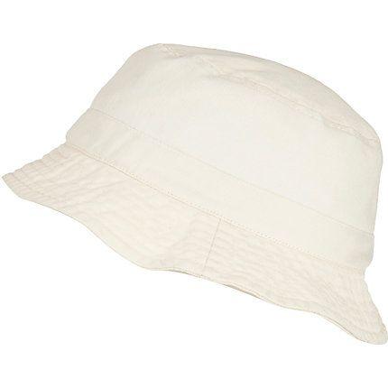 White bucket hat £15.00