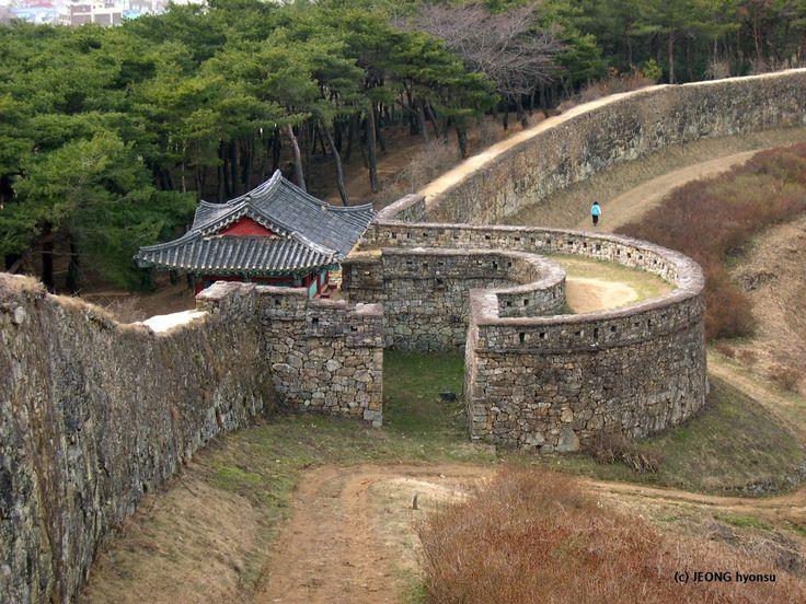 Gochangeupseong Fortress, SOUTH KOREA march, 2004