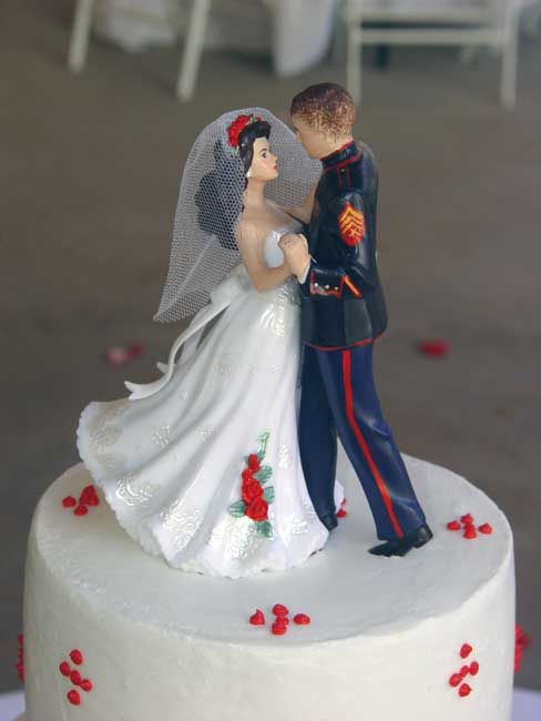 Dress Blues Cake Topper:  Not a fan of the red accents..but love the figurines.