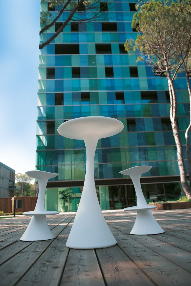 Leoni Poseur Table and High Stools in white - available to hire from www.d-zinefurniture.co.uk