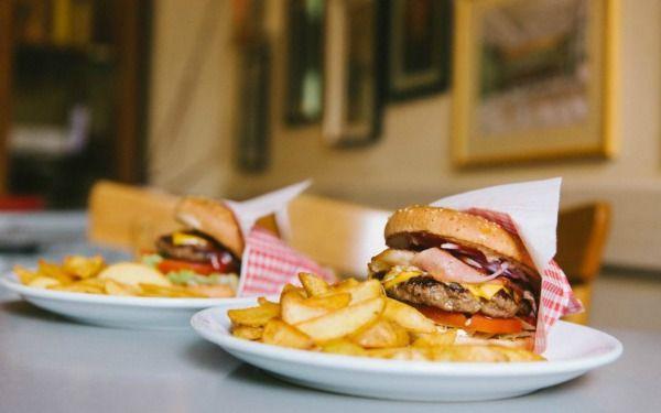 Athen's Street Food: Οι καλύτερες γκουρμέ αμαρτίες...στο χέρι