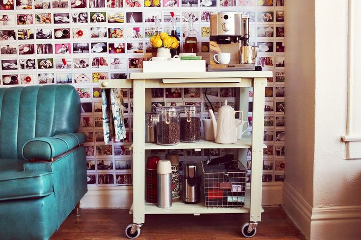 I love the coffee cart, and we even have a more or less unused cart floating in the kitchen... I also <3 the sofa....