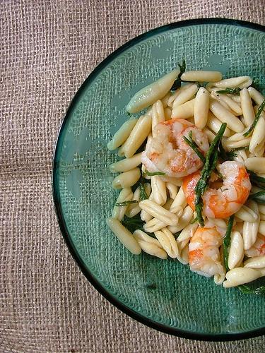 cavatelli con aglio gamberi e salicornia