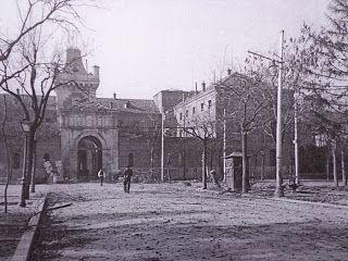 Puerta de la Antigua Carcel Modelo (cuartel general del Aire)