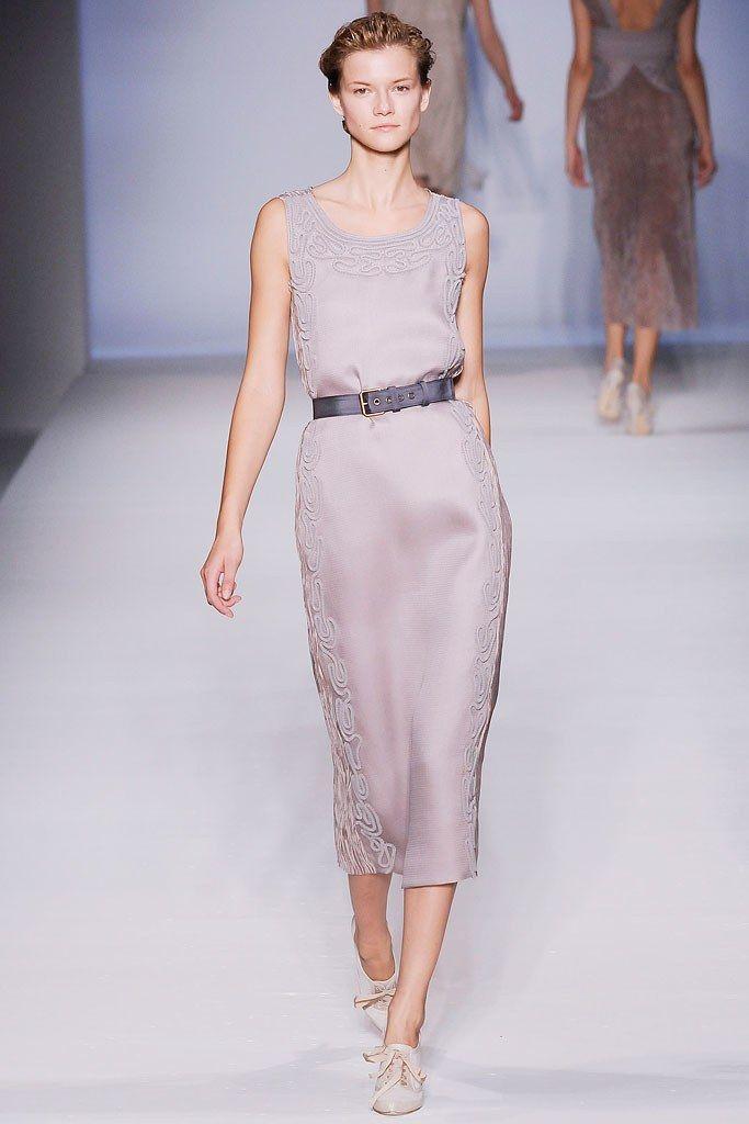 Alberta Ferretti Spring 2010 Ready-to-Wear Fashion Show - Kasia Struss