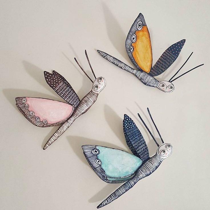 Voli di #farfalle. Le prime nate. #butterfly #farfalle #papiermache #cartapesta #paperart #paperartwork #faenza #instaart
