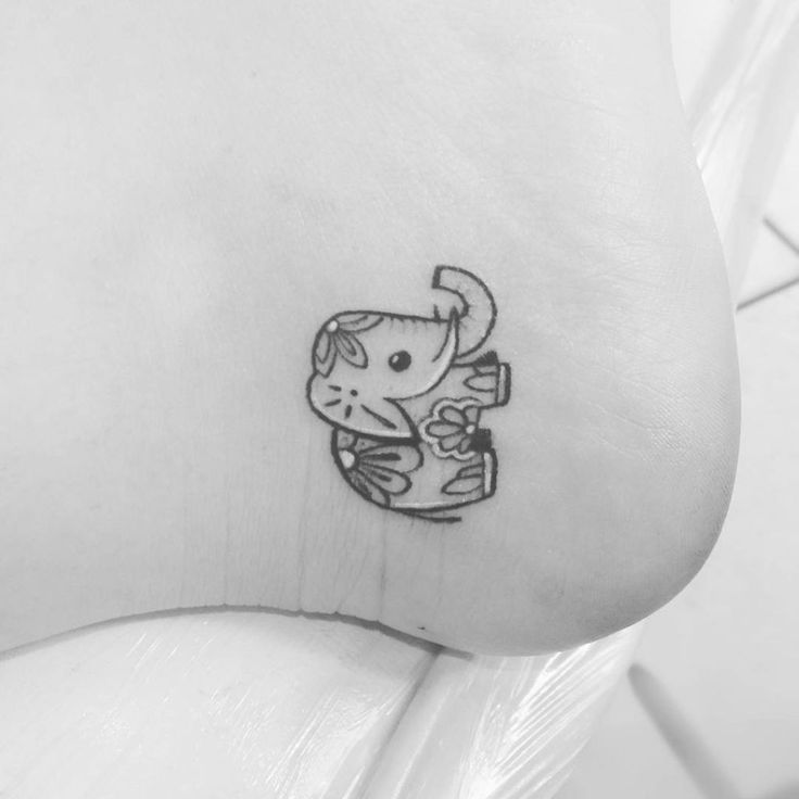 Elephant:An elephant symbolizes prosperity and good luck but also embodies power, strength, dignity and longevity.