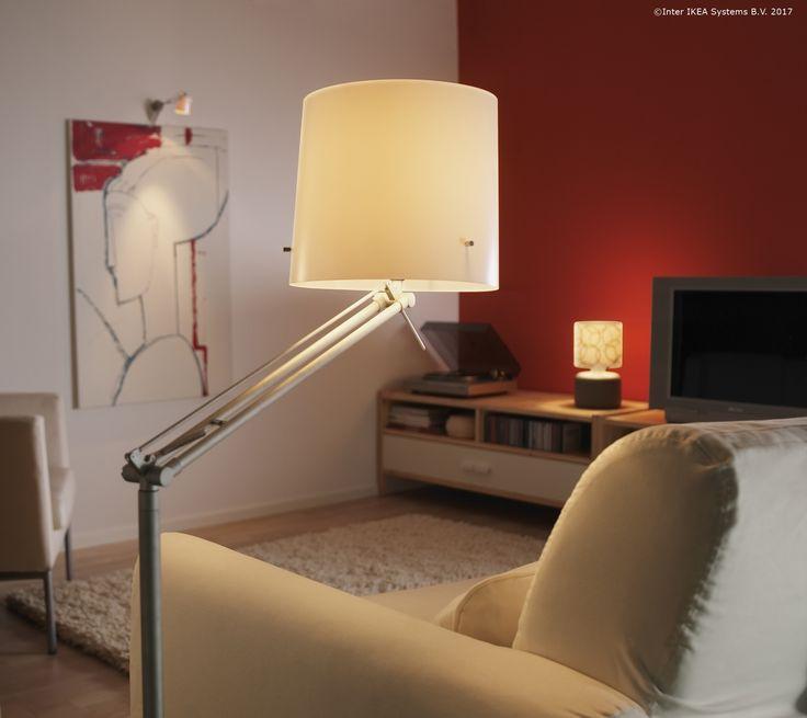 Lampa SAMTID are o lumină difuză, care te ajută atunci când vrei să citești cartea ta preferată, fără ca ochii să-ți obosească.