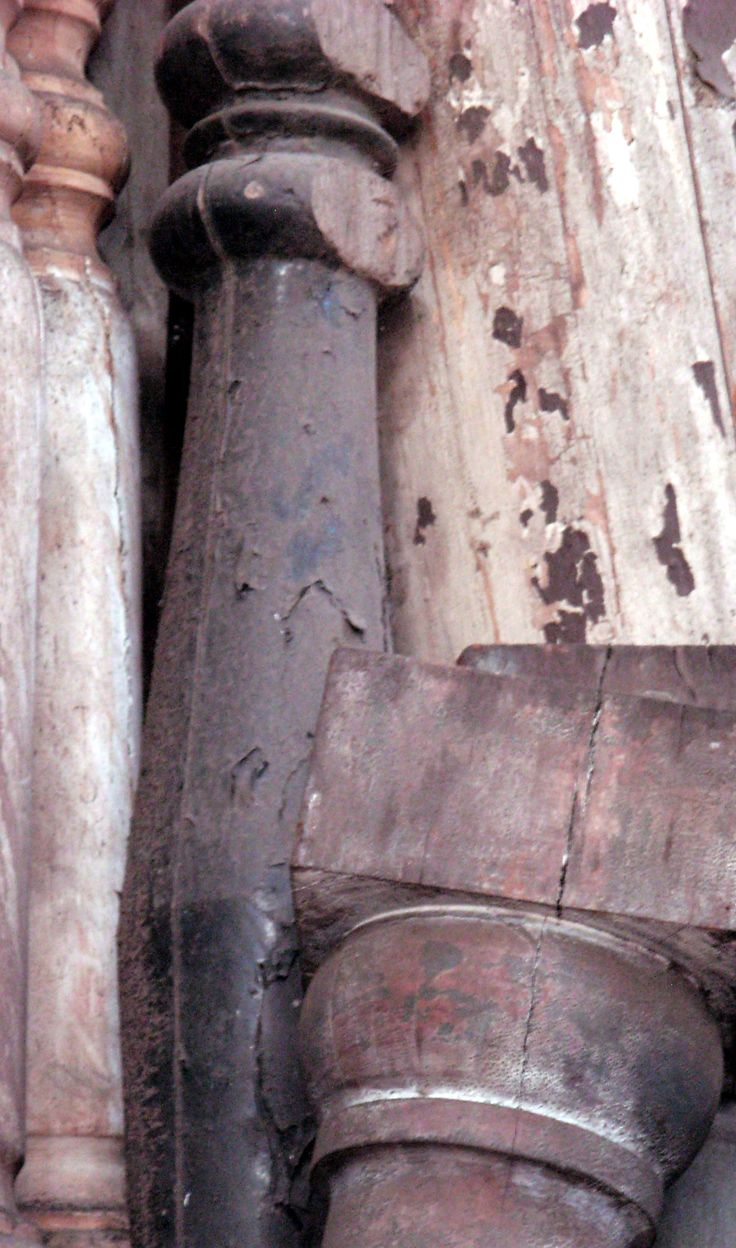 Columnas de 3, 5 o ... más metros; de madera, piedra o yeso. Sonia Carroza Antiguedades