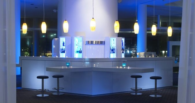 Hilton Cairns - bar