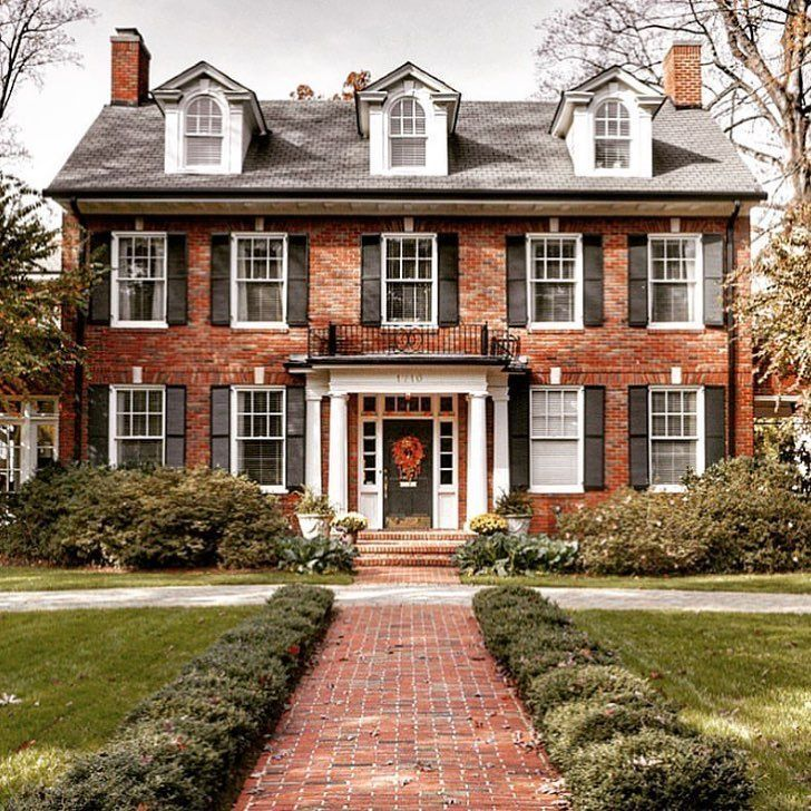 Brick House In 2020 Brick Exterior House Front Doors Painted Black Ranch House Designs