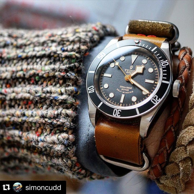 """Happy Monday!  Let's start the week sharing this great picture of the Tudor Black Bay Black   Thank you @simoncudd for this picture! Keep sharing great…"""