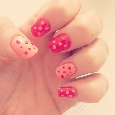 Kelly Brook has been showing off a spot of polka dot themed nail art today. Hurrah!    Taking to Twitter and Instagram, Kelly posted snaps of her new red and white dotted nails, revealing she felt inspired after hitting a 1st birthday party over the weekend.