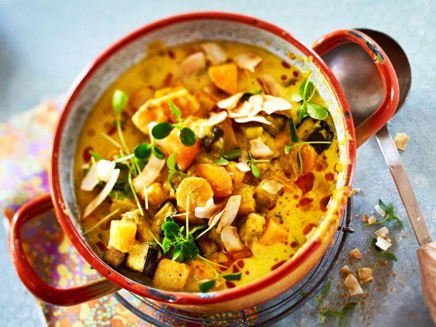 Unser beliebtes Rezept für Süßkartoffelcurry mit Möhren und Aubergine und mehr als 55.000 weitere kostenlose Rezepte auf LECKER.de.