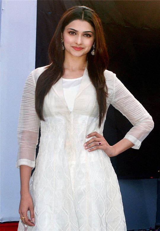 Prachi Desai #Bollywood #Fashion