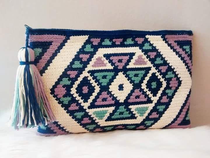 Tote bag in crochet style wayuu clutch of by VientosurSantander
