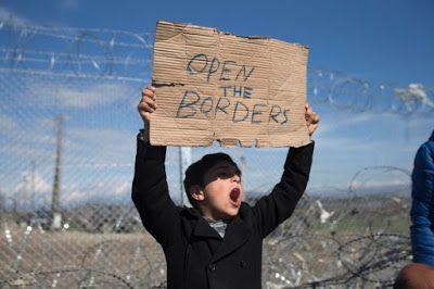 Migrant Crisis : Open the Borders