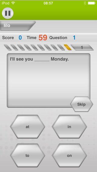 Learn English with Johnny Grammar's Word Challenge by British Council. Appen er gratis, men der er reklamer. Man øver grammatik, ord og stavning. det er på tid, så man kan føles sig lidt presset, men god til at øve disse ting med.