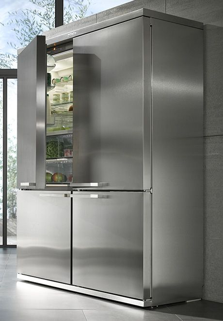 Stainless Steel and Large. The two components of a winning 'fridge