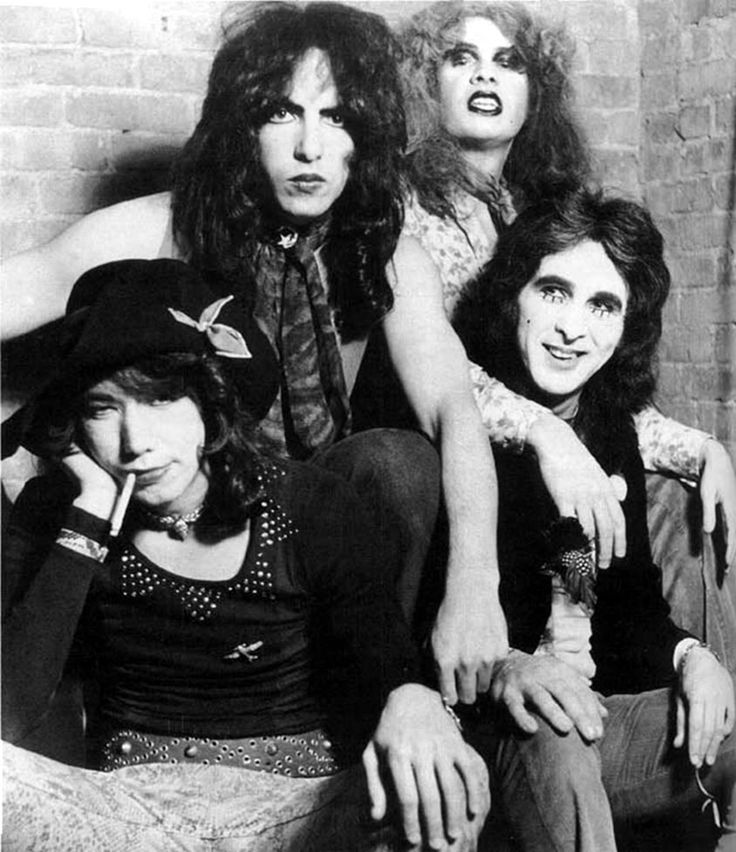 Kiss Without Their Makeup: Vintage 70's Unmasked In Klassic KISS Forum